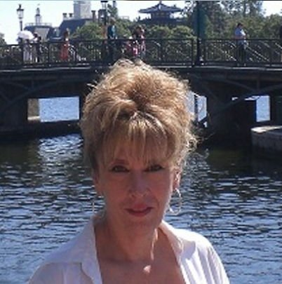 Lori Greenstone